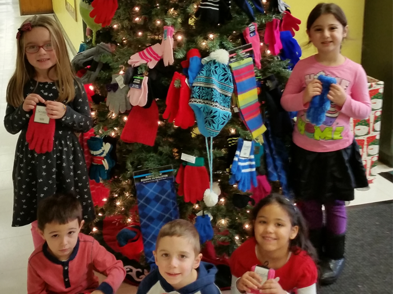Santapogue Students Celebrate the Season of Giving